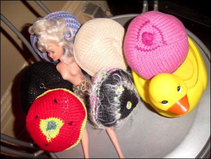 eliska knitting 1